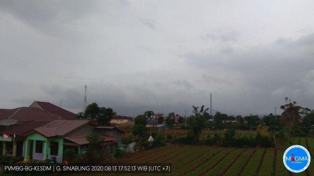 Selang 1 Jam, Gunung Sinabung Erupsi Ketujuh Kali Hari Ini