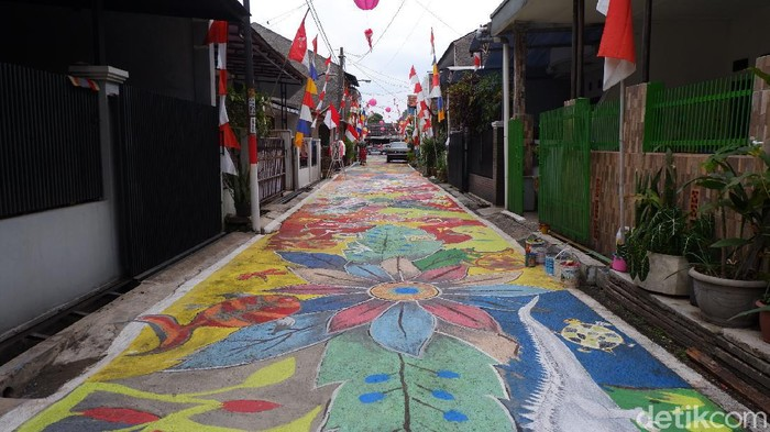Kampung warna warni di Bandung jelang agustusan