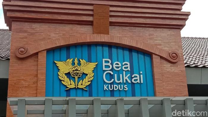Kantor Bea Cukai Kudus  Jl. AKBP Agil Kusumadya, Jati Kulon Krajan, Jati Kulon, Kecamatan Jati, Kudus