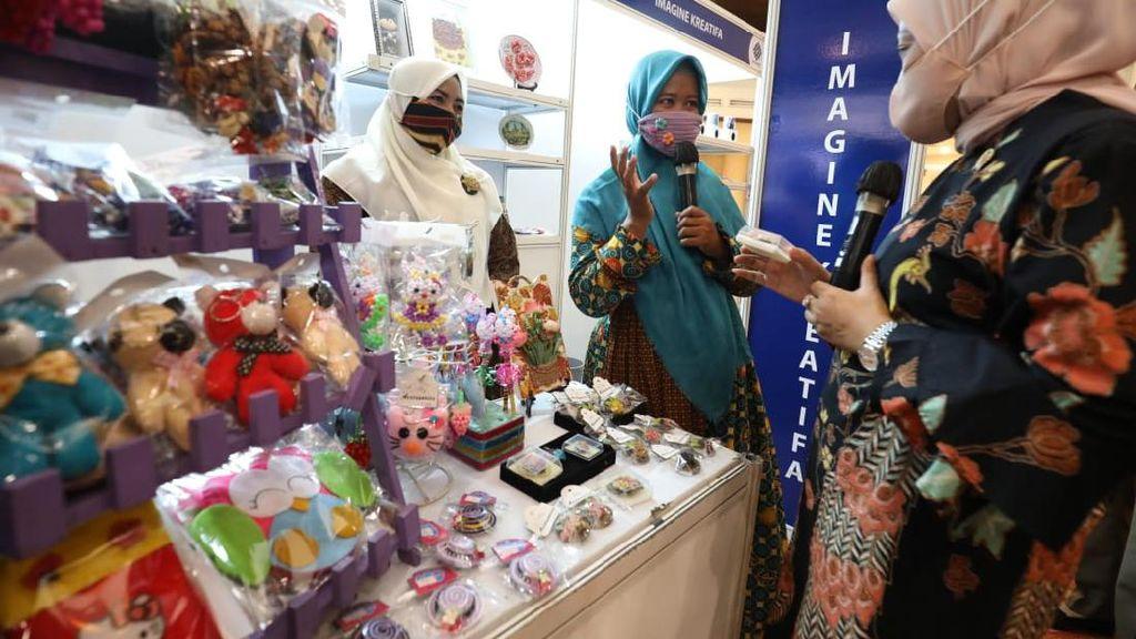 Kemnaker Bantu Pekerja Perempuan Terkena PHK untuk Berwirausaha