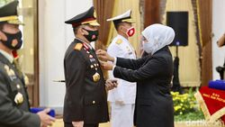 Sejumlah Tokoh di Jatim Dianugerahi Penghargaan Jer Basuki Mawa Beya