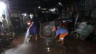 Kali di Pasar Rebo Sempat Meluap Akibat Hujan, Endapan Lumpur Dibersihkan