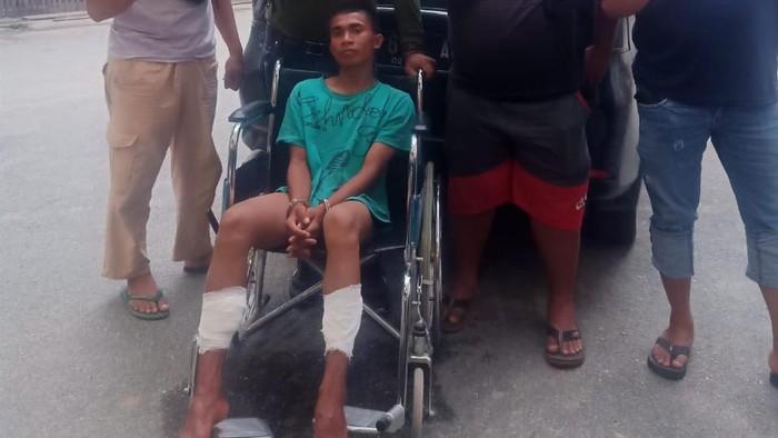 Polisi tembak kedua kaki remaja yang membacok pedagang susu di Palu