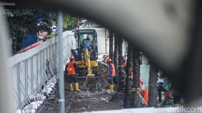 Pembangunan proyek Moda Raya Terpadu (MRT) fase II sudah mulai berjalan. Proyek ini akan menyambung Bundaran HI hingga Kota Tua.