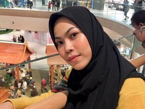 Jualan Dari Pagi Belum Laku, Nasib Wanita Ini Berubah Setelah Posting di Twitter