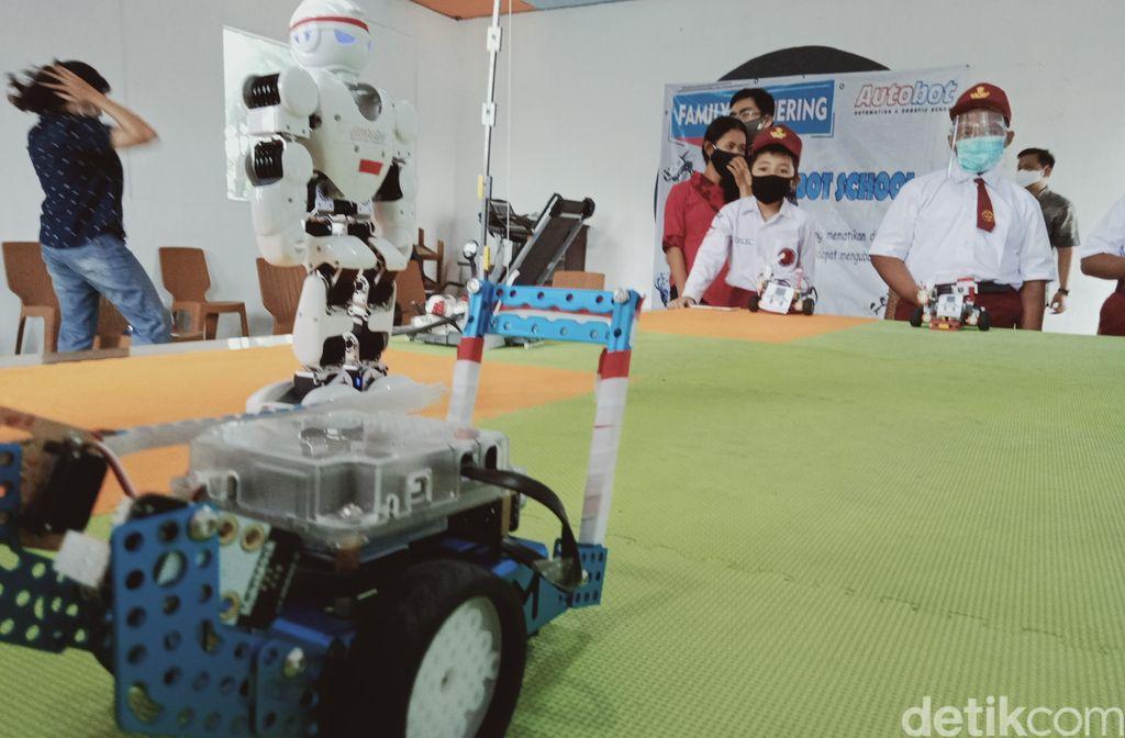 Upacara robot
