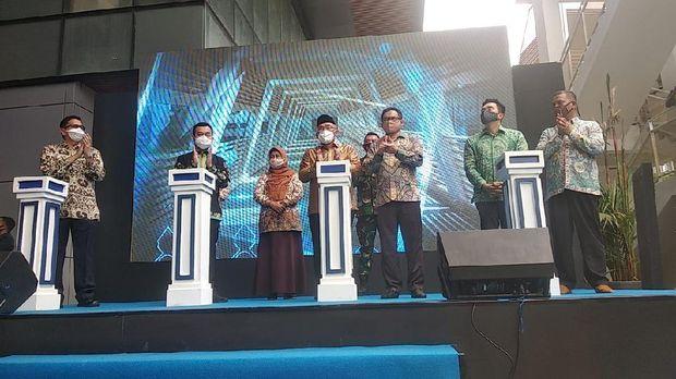 Wali Kota Idris Resmikan JPO Baru di KOta Depok