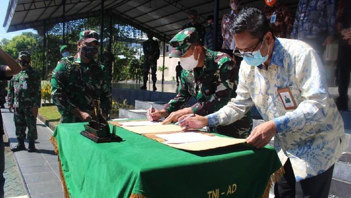 BNI bekerjasama dengan Kodam XIV Hasanuddin. BNI akan memberi pendampingan usaha dan permodalan kepada 1.000 pelaku UMKM binaan Kodam XIV Hasanuddin.
