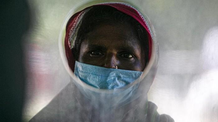 Total kematian akibat virus Corona di India telah melampaui 48 ribu orang. Angka ini tercatat sebagai total kematian tertinggi keempat di dunia, menggeser Inggris.