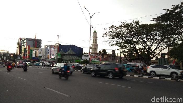 Kondisi Jalan di depan gedung DPRD Sulsel.