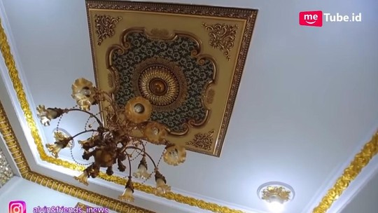 Potret Rumah Mewah Mamah Dedeh