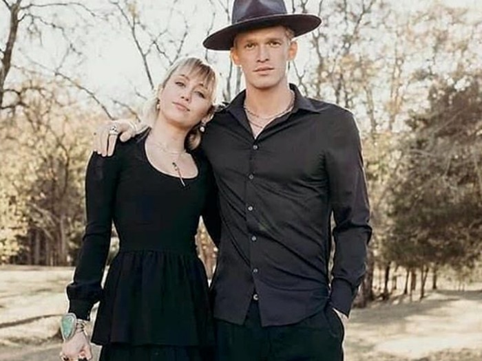 Miley Cyrus dan Cody Simpson