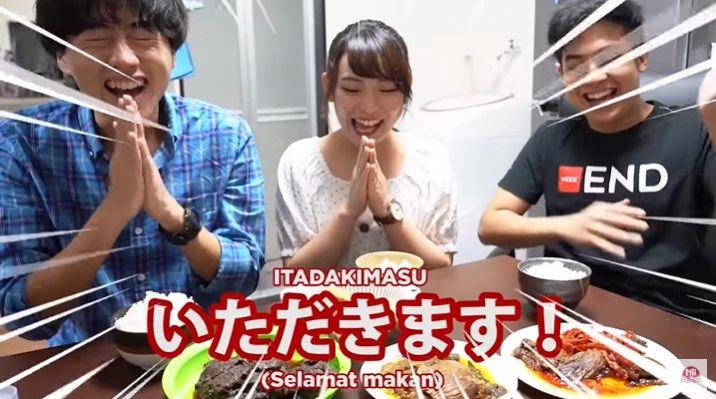 Jerome Polin Ajak Orang Jepang Makan Tempe dan Dendeng Balado