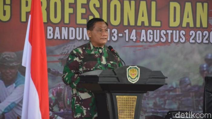 Pangdam III Siliwangi Mayjen Nugroho Budi Wiryanto bersedia jadi relawan vaksin COVID-19