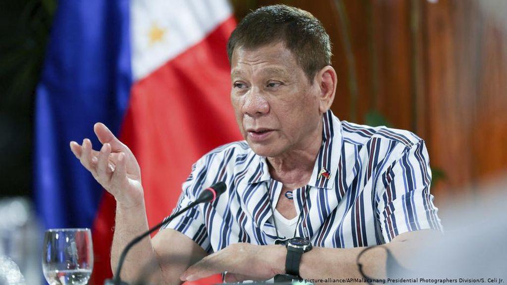 Duterte Siap Dituntut Atas Pembunuhan dalam Perang Melawan Narkoba