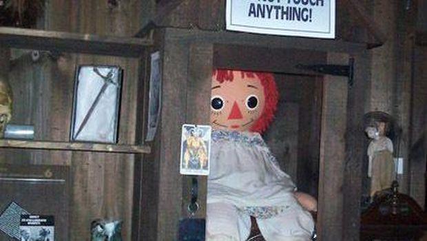 Penampakan boneka Annabelle yang asli