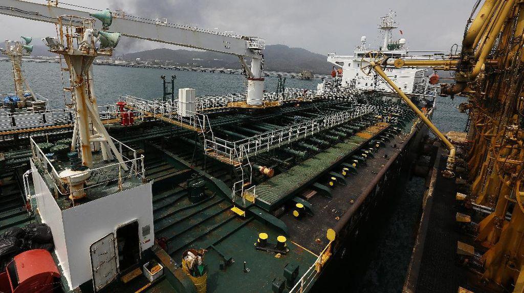 Krisis Minyak, Venezuela Beli Minyak dari Iran