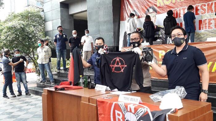 Konferensi pers 7 pedemo di depan gedung DPR diamankan Polda Metro Jaya