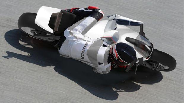 Konsep motor untuk penyandang disabilitas yang tak memiliki kaki dan tangan.