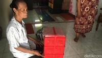 Merana Nenek Penjual Jajan Kena Tipu, Uang dan Dagangan Ludes Digondol