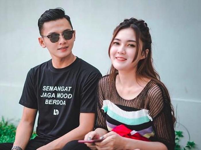 Nella Kharisma dan Dory Harsa dikabarkan menikah