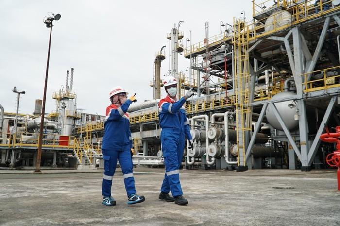 PT Pertamina (Persero) telah melakukan uji coba produksi Green Diesel D100 sebesar 1.000 barel per hari di Kilang Dumai, Riau pada bulan Juli lalu.