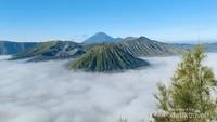 Heboh Selebgram Bule Bertaruh Nyawa di Kawah Gunung Bromo