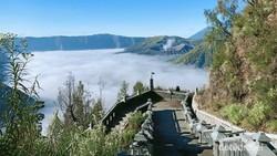 Akhirnya, Jembatan Kaca Gunung Bromo Dibangun Juga!