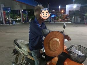 Viral, Kisah Haru Kakek Naik Motor 300 Km Demi Lihat Cucu Terakhir Kalinya