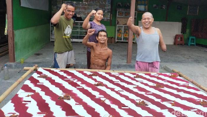 batik motif kemerdekaan kreasi komunitas Difabel Blora Mustika (DBM)