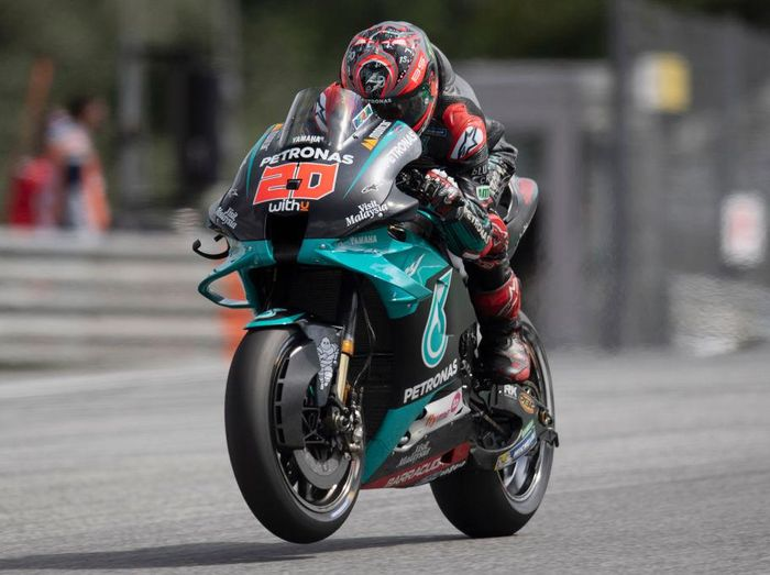 SPIELBERG, AUSTRIA - AUGUST 15:  Fabio Quartararo of France and Petronas Yamaha SRT  heads down a straight during the MotoGP Of Austria - Qualifying at Red Bull Ring on August 15, 2020 in Spielberg, Austria. (Photo by Mirco Lazzari gp/Getty Images)