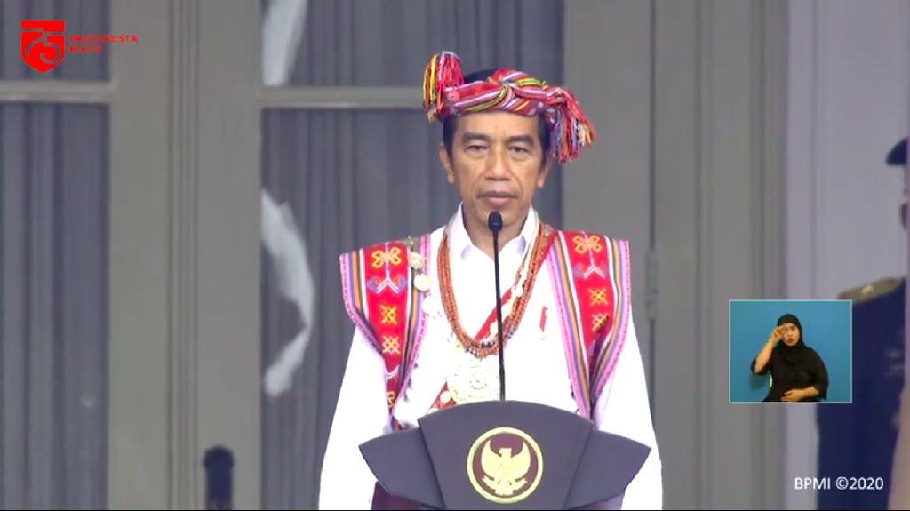 Penampilan Jokowi Berbaju Adat Timor Tengah Selatan di Istana Negara
