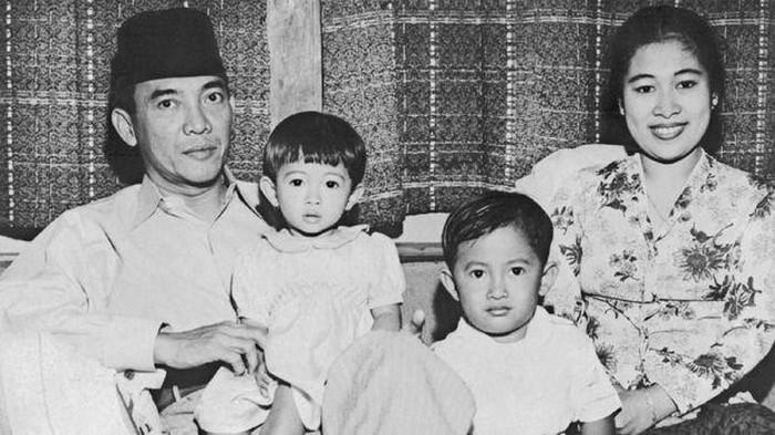 Kisah Cinta Fatmawati Dan Ir Soekarno Yang Penuh Karisma Dan Pesona
