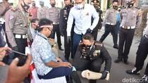 Bahagianya Toton, Penyandang Disabilitas di Cirebon Dapat Bantuan Kaki Palsu