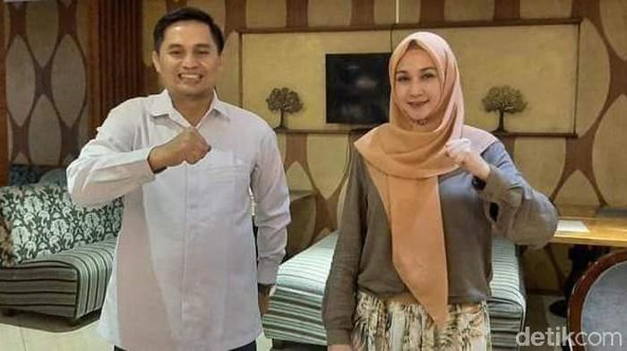 Artis Dina Lorenza dampingi Gun Gun Gunawan di Pilbup Bandung
