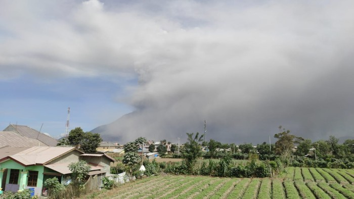 Erupsi Gunung Sinabung 18 Agustus 2020 (dok. Istimewa)