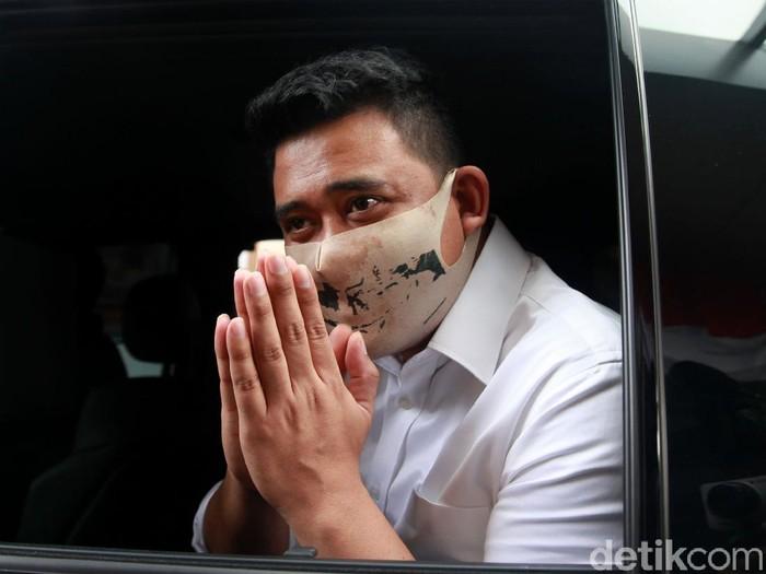 Partai Golkar memberikan SK dukungan kepada Bobby Nasution di Pilkada Medan 2020. Golkar susul PDIP, yang lebih dulu berikan rekomendasi pada menantu Jokowi itu
