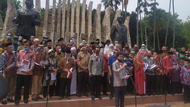 Deklarasi Koalisi Aksi Meyelamatkan Indonesia (KAMI), di Tugu Proklamasi, Menteng, Jakarta, Selasa (18/8/2020).