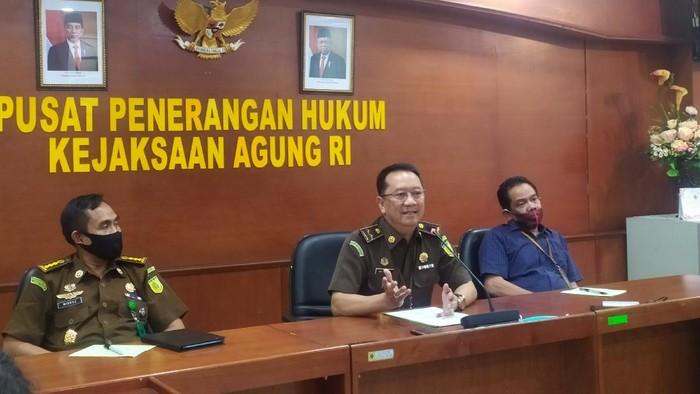 Kapuspenkum Kejaksaan Agung, Hari Setiyono