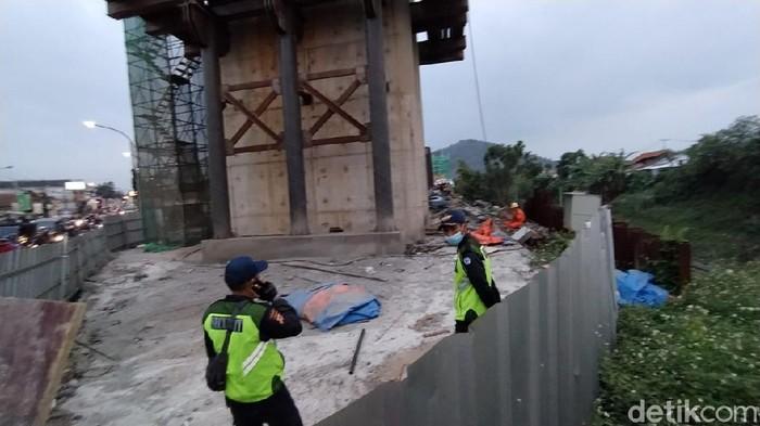 Seorang pekerja proyek KCJB tewas terjatuh dari atas tiang trase