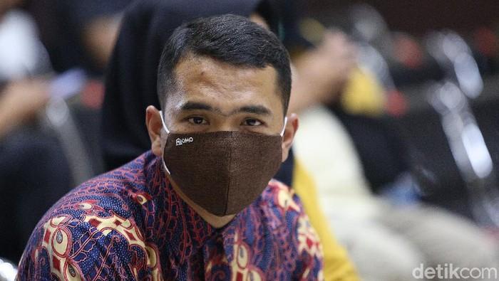 Bos PS Store, Putra Siregar, menjalani sidang lanjutan kasus HP ilegal di Pengadilan Negeri Jakarta Timur, Selasa (18/8/2020). Sidang menghadirkan tiga orang saksi.