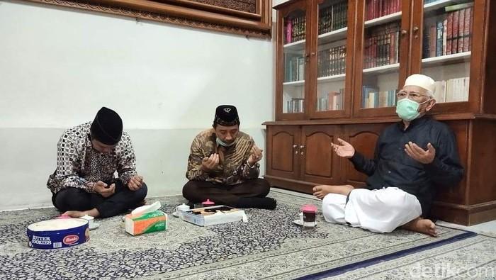 Suasana pertemuan Bupati Rembang Abdul Hafidz dan wakilnya Bayu Andriyanto dengan Gus Mus, Selasa (18/8/2020)