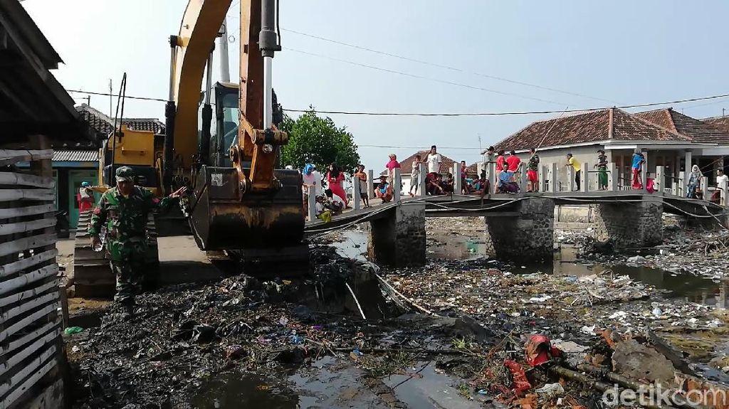 Pengerukan Mandek, Sungai di Pasuruan Terancam Kembali Penuh Sampah