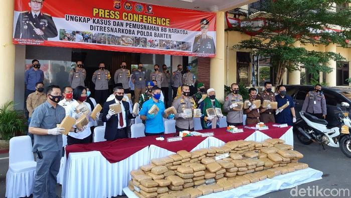 Polda Banten Ungkap Kasus Ganja 144 Kg