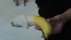 Sekelompok pemuda di Bandung mengembangkan alat yang bisa membantu proses disinfeksi benda sehari-hari dari kuman penyakit, termasuk virus Corona.