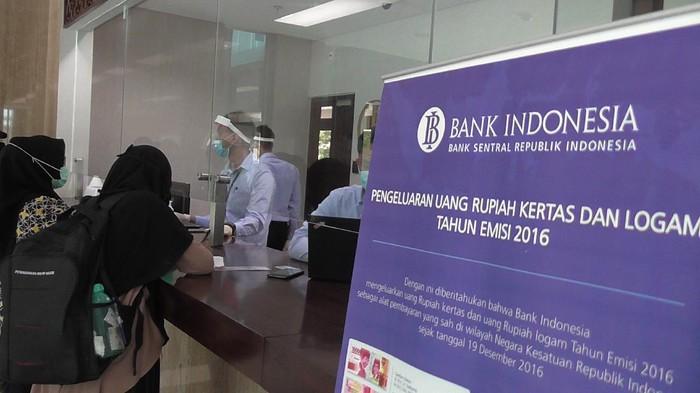 Warga Gorontalo antusias  tukar uang khusus HUT RI Rp 75 ribu