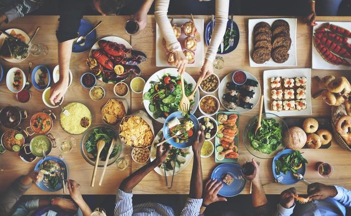 ilustrasi Makan-makan