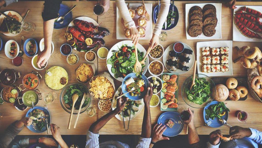 Ajak Makan Keluarga Saat Long Weekend, Ada Diskon 50% dari Bank Mega
