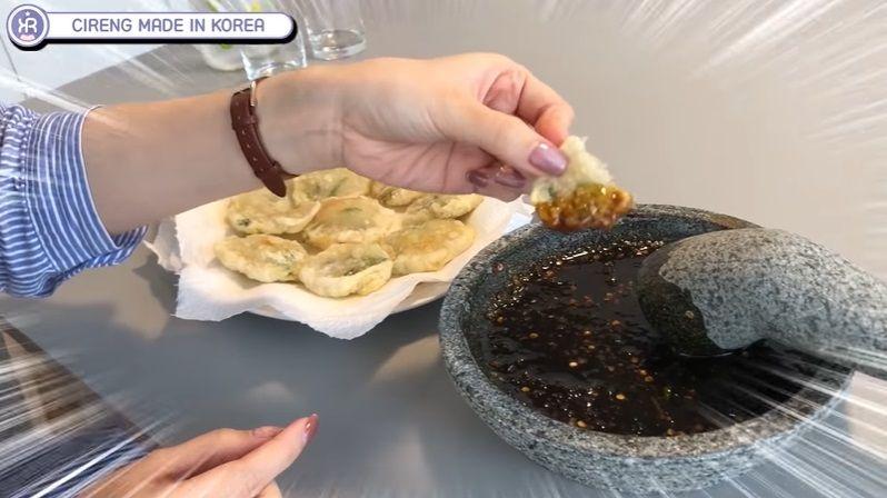Orang Korea bikin cireng