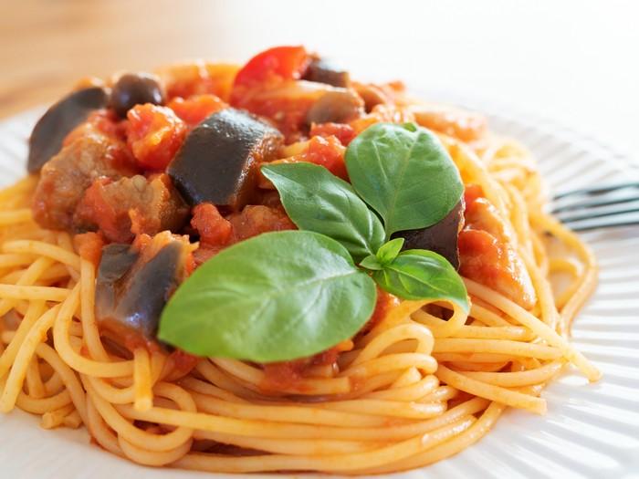 Spaghetti Saus Terung dan Tomat